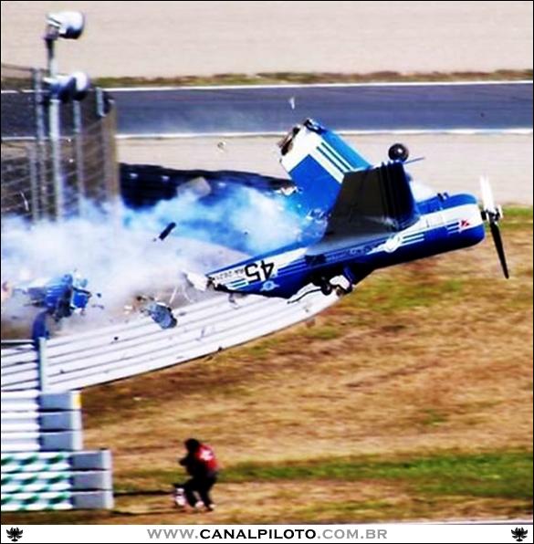 Alexander Krotovs 2003 Crash Canal Piloto Aviação e Trânsito