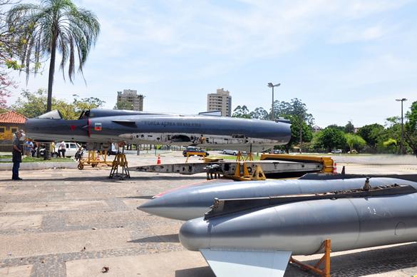 FAB 4929 Canal Piloto Araras (SP) recebe a doação de um Mirage III da FAB